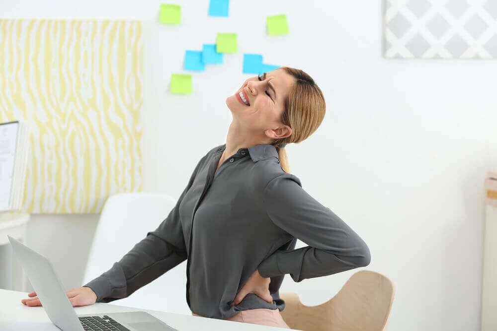 _妊娠(超)初期の腰痛はどんな痛み?特徴・原因・対策法など徹底解説!