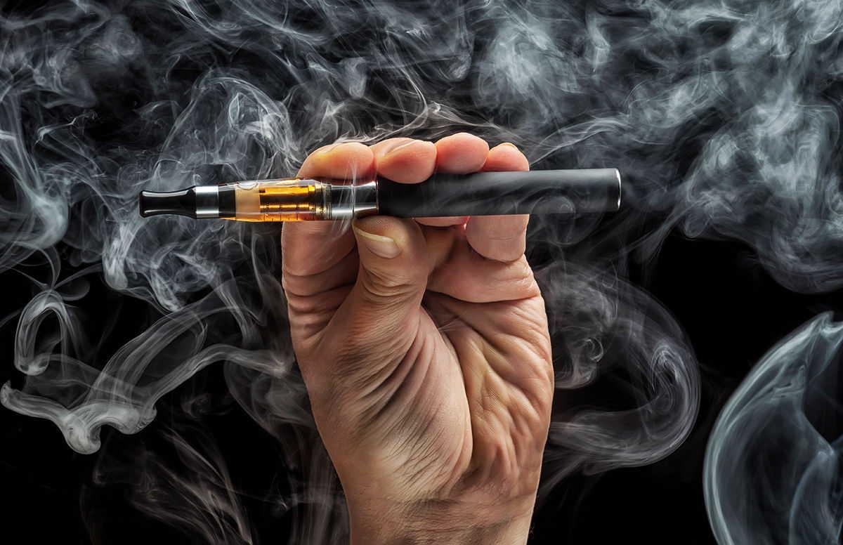 赤ちゃんの誤飲事故NO.1「タバコの誤飲」の症状や対処法