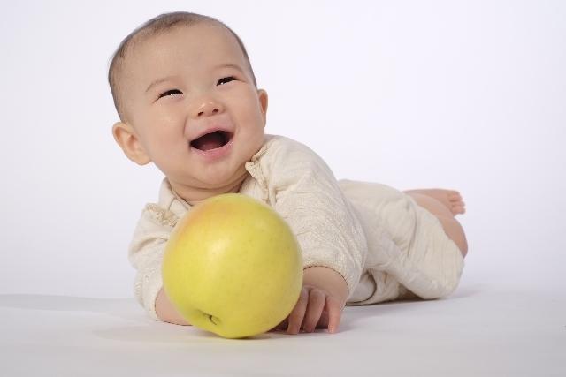 ボタン電池の誤飲事故は0~1歳の乳幼児に多い!