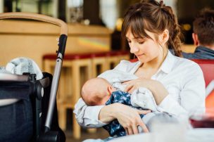 母乳で育てると便の回数が多い?母乳なのに便が少ないときは便秘なの?