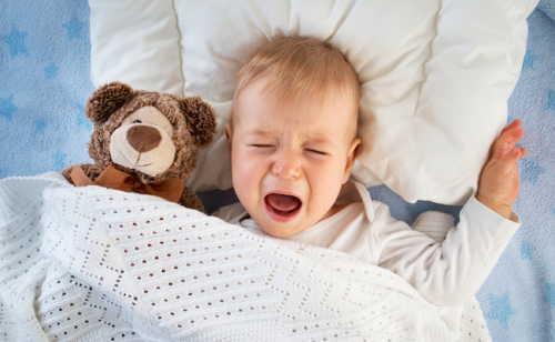 3.夜泣きやイヤイヤ、毎日の泣き声に精神的に追い詰められる
