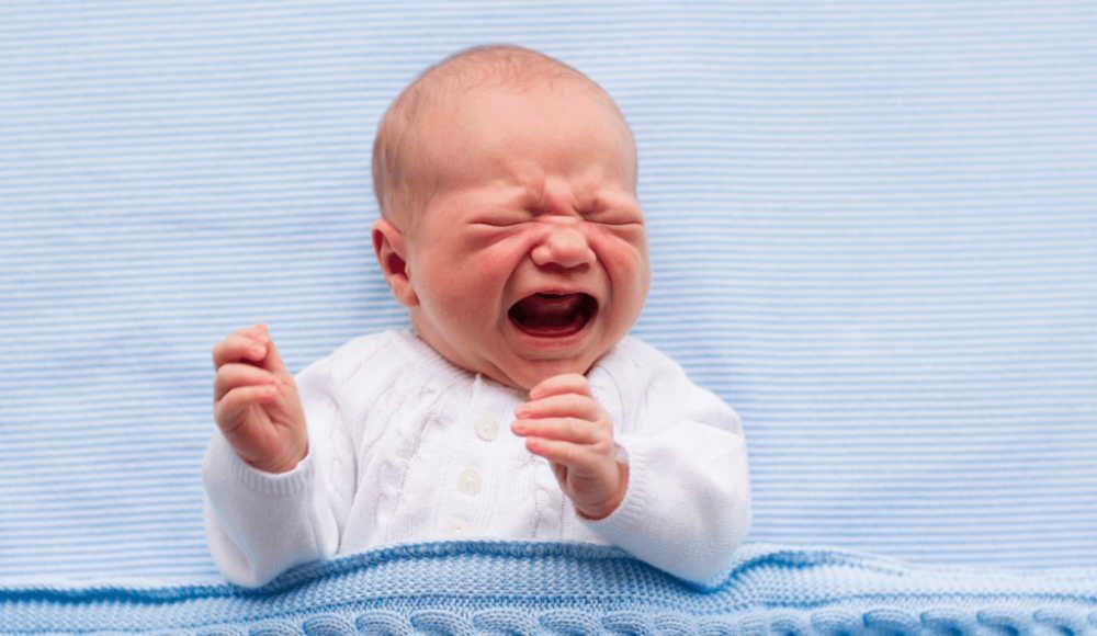 新生児の赤ちゃんが泣き止まない!ママのイライラがMAXになる前にこれを確認してみよう