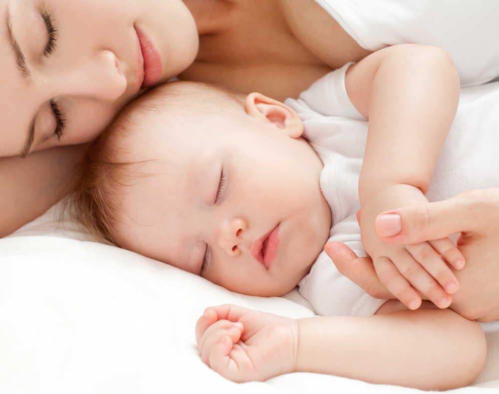 新生児の赤ちゃんが寝ないのはなぜ?5つの理由と寝かしつける9つの方法