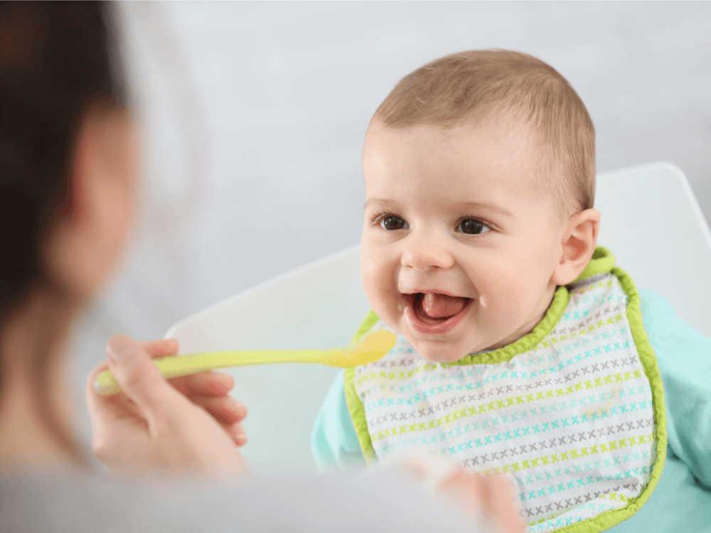 6か月の赤ちゃんの離乳食の量はどれくらい?進め方やおすすめレシピ