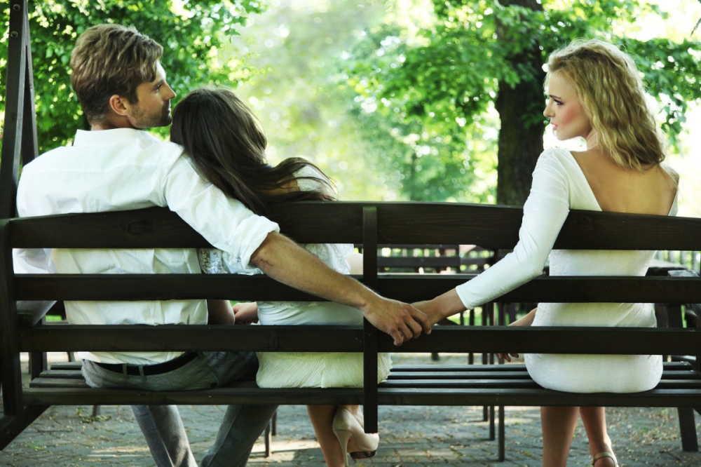 妊娠中に浮気する夫が多い?6つ原因や夫の特徴、対策はどうする?