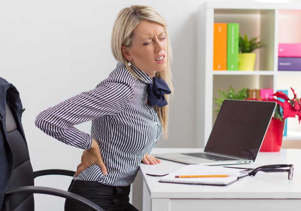 出産後の腰痛の原因は骨盤のゆがみ?腰痛を長引かせない7つのポイント