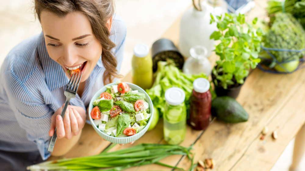 生理痛が悪化する食べ物や飲み物がある?緩和する食べ物や飲み物は?